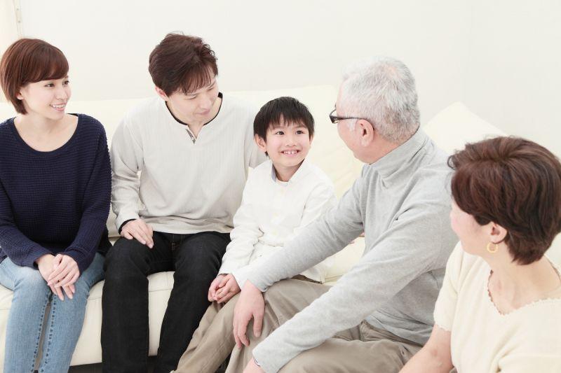 Đứa trẻ hiểu lễ nghĩa sẽ được nhiều người yêu mến và phát triển nhân cách tốt