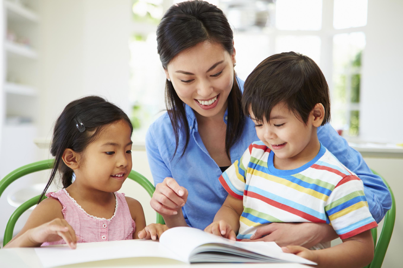 Phương pháp Montessori lấy trẻ làm trung tâm, trẻ tự lựa chọn những gì mình thích học