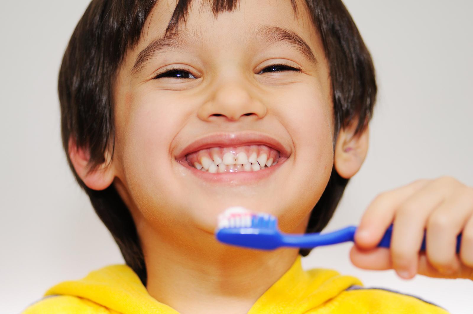 Thực hành chải răng đúng cách với đầy đủ 7 bước (Nguồn: cdn.explus.vn)