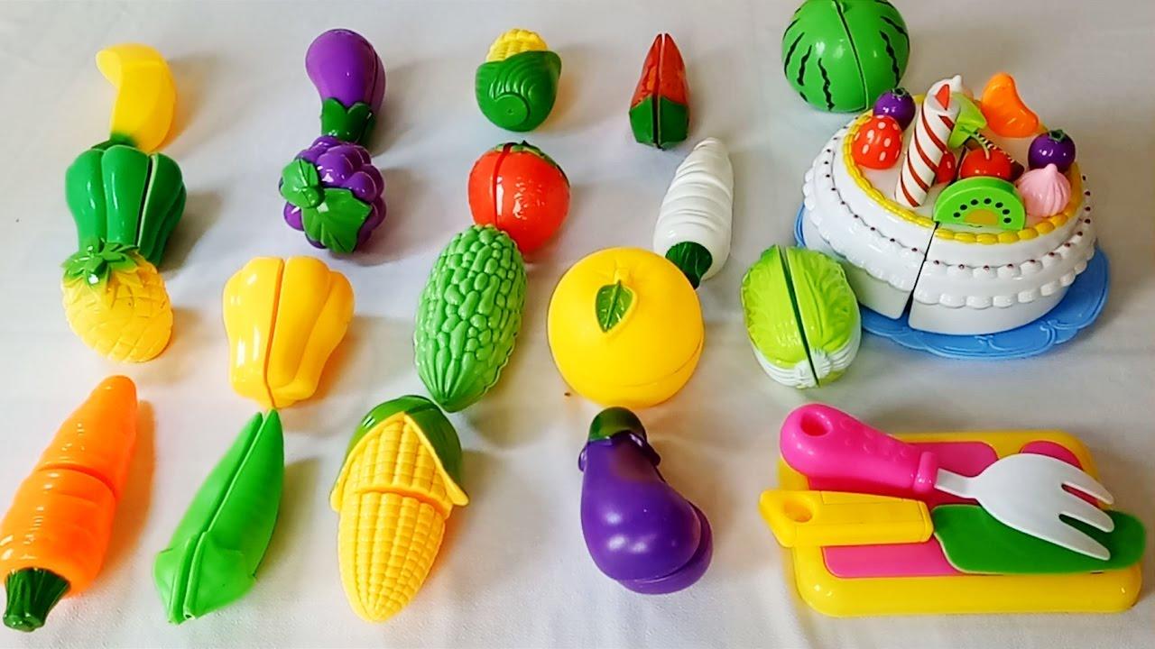 Bạn có thể dùng những bộ đồ chơi về thức ăn để giáo dục dinh dưỡng cho trẻ