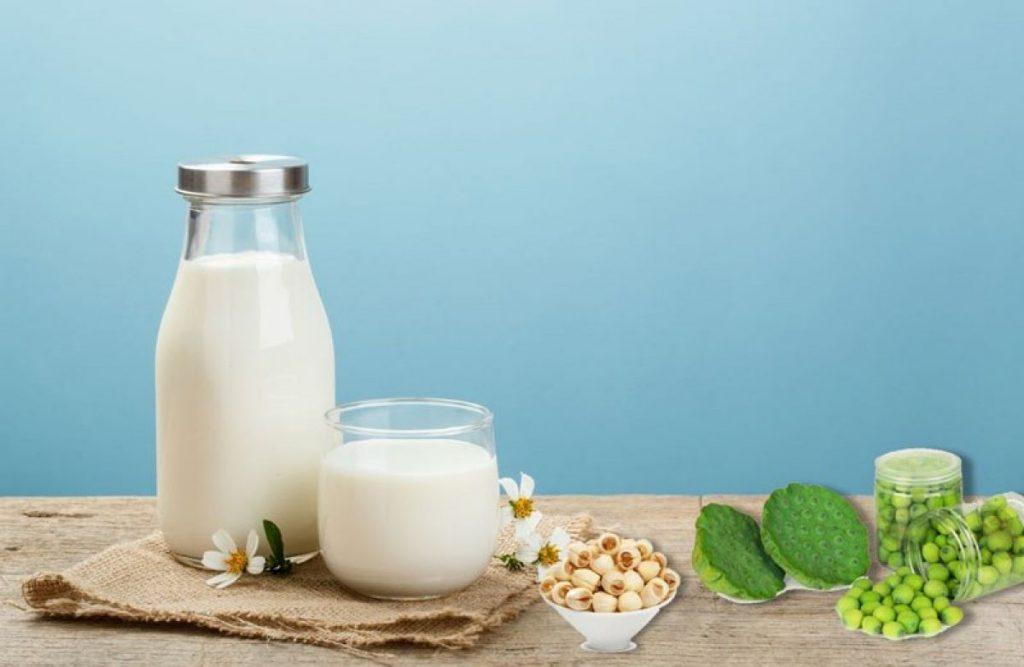 Sữa sen có vị thanh thanh nhẹ nhàng rất dễ uống Nguồn ảnh: phapluatxahoi.vn