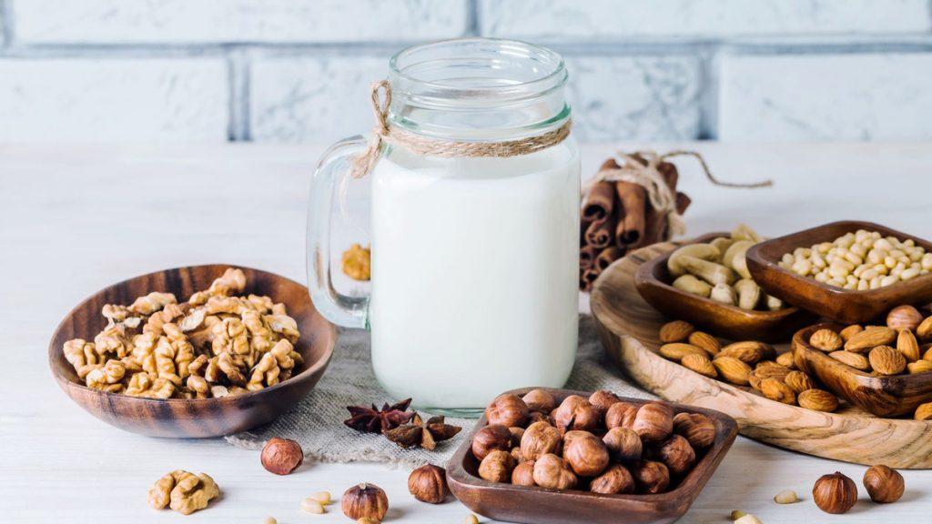Sữa từ các loại hạt đang là xu hướng được ưa chuộng trên thế giới Nguồn ảnh: VnExpress