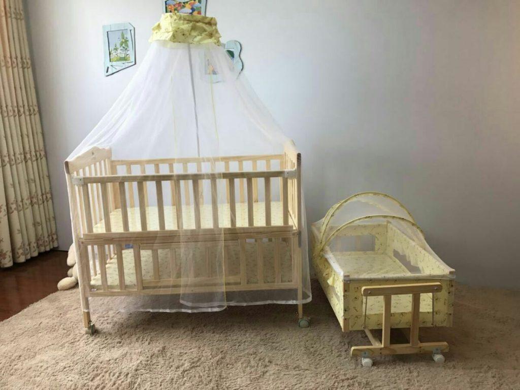 Set cũi bao gồm cũi, màn cũi, màn nôi, nôi dành cho bé từ 0 - 8 tháng tuổi (Nguồn kidsplaza-1.cdn.vccloud.vn)